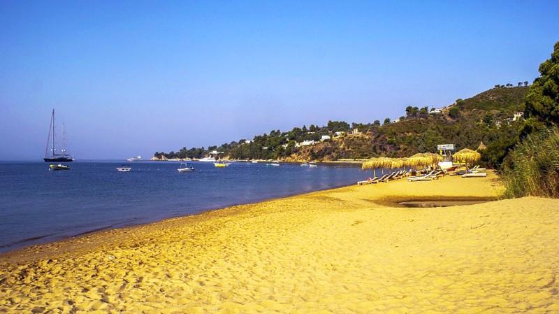 6. Agia Paraskevi Beach