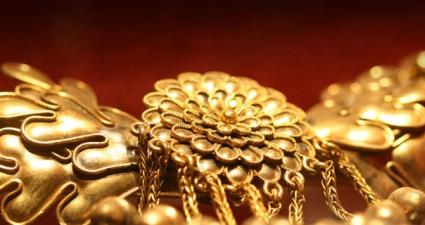 Meet the master designers&craftsmen of antique and modern Jewellery in Mykonos