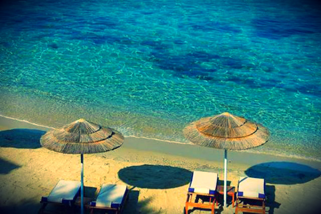 Best beaches in Mykonos - Agios Ioannis Beach