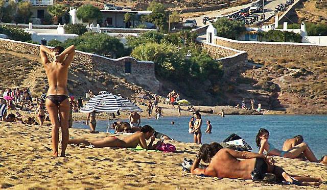 Best beaches in Mykonos - Agios Sostis